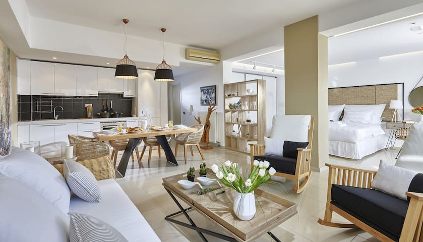 Luxury Suite with share pool-walk to private beach