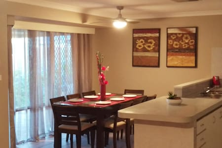 The Quiet Family Getaway In Bassendean + free WiFi