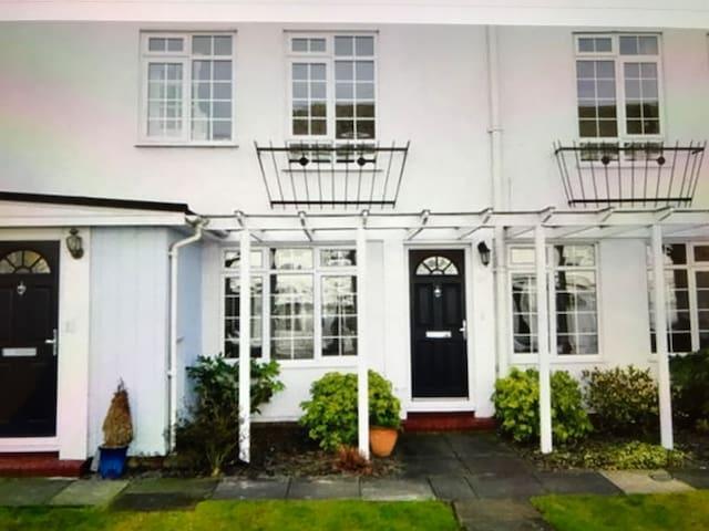 Convenient Epsom luxury flat