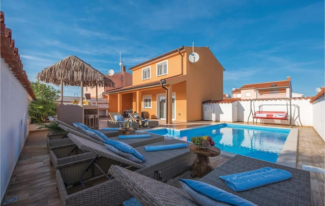 Airbnb Via Barbariga Vacation Rentals Places To Stay