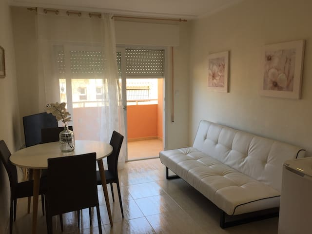 B)1 bedroom holiday apartment with parking LaManga