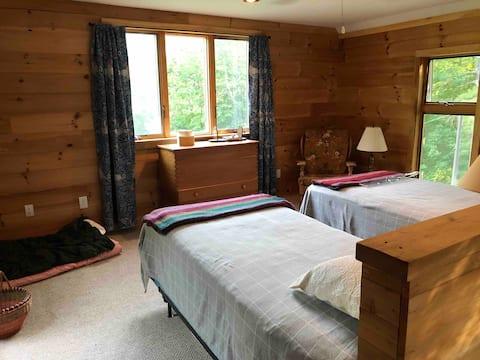 Cozy Cabin/Guest House in Sandwich NH