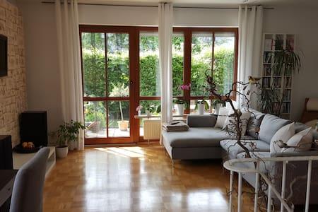 Gemütliches Schlafzimmer in Gröbenzell bei München - Gröbenzell - Pis