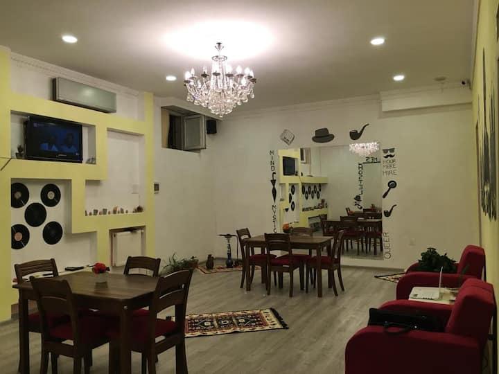Sherlock Holmes Hostel, Baku
