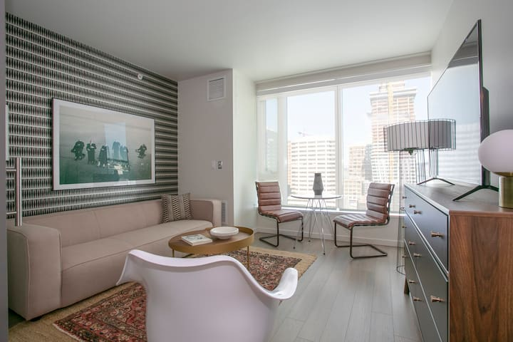 Sonder | Solaire | Bright 1BR + Rooftop