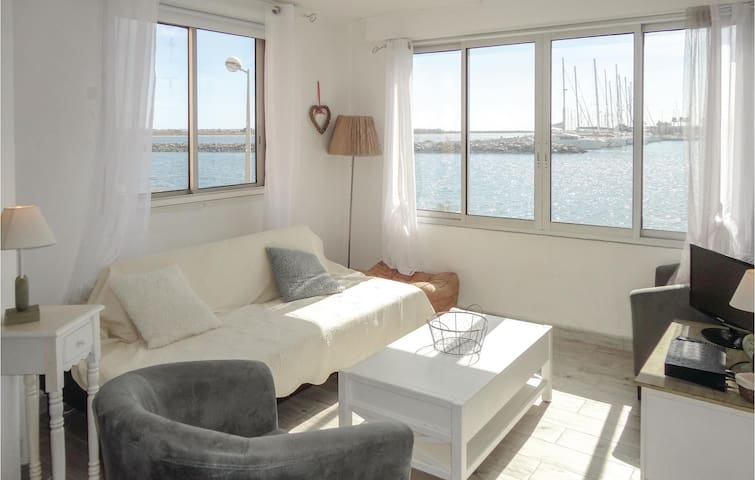 Holiday apartment with 2 bedrooms on 47m² in Gruissan