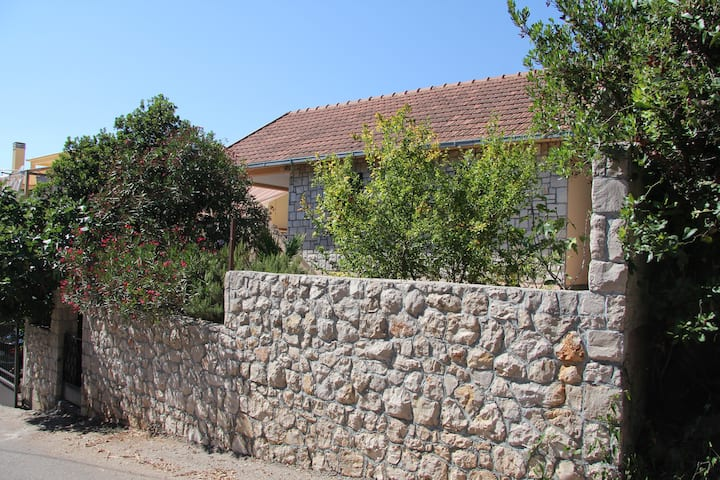 House 50 meter from the azure sea, private beach