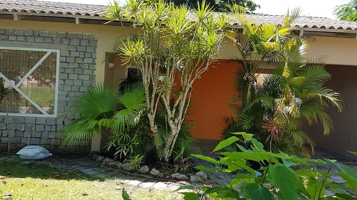 Itapoá -Thenorio, casa 50m mar. 2 q+1 suites, 8pax