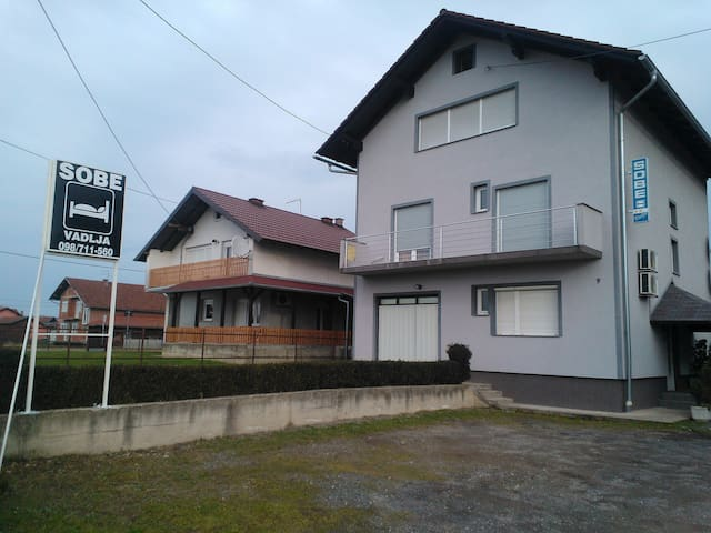 Sobe i Apartmani Damir Vadlja - STUDIO APARTMAN