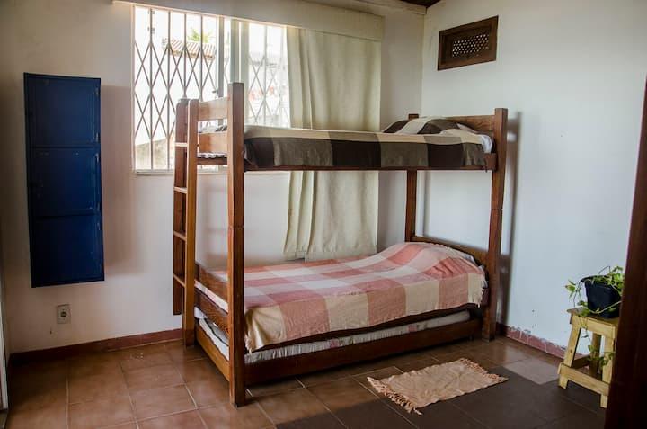 MARIQUITA cama n°3 quarto compartilhado