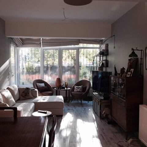 Centrally located 1 bedroom flat large with garden - Şişli - Appartement