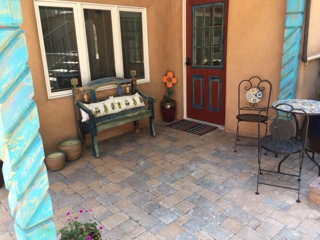 ❤️ of Historic Santa Fe, Private Patio, East 🌞rise