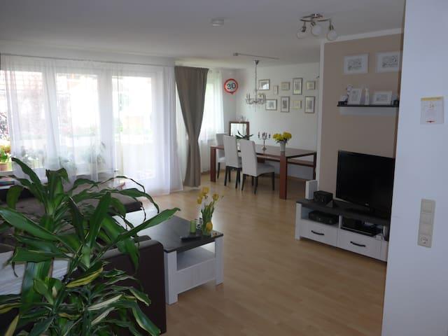 Wunderschöne 2-Zimmer-Wohnung Ortsrand Gerlingen