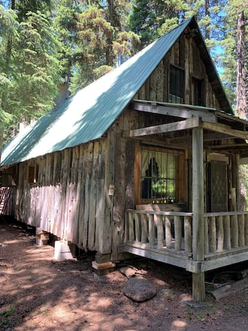 The Outback Cabin