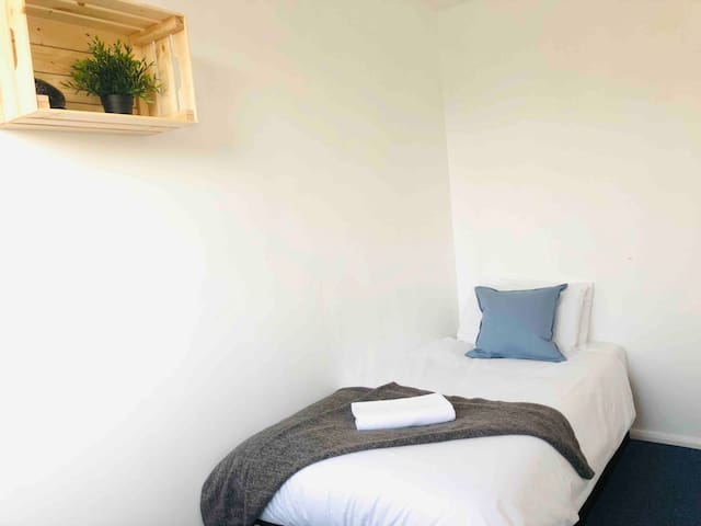 !! New cute comfy room in a greater London !!