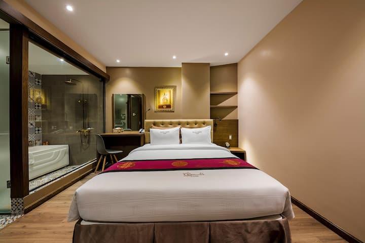 Sunflower Saigon Hotel - Deluxe Room
