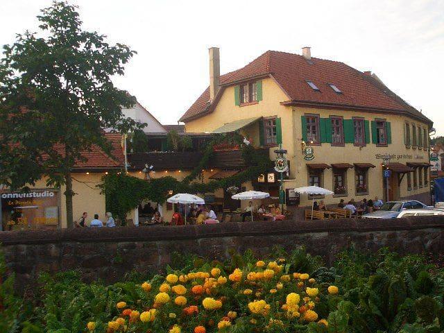 Gasthaus Alte Brauerei, (Ettenheim), Mehrbettzimmer mit Dusche und WC, max. 4 Personen