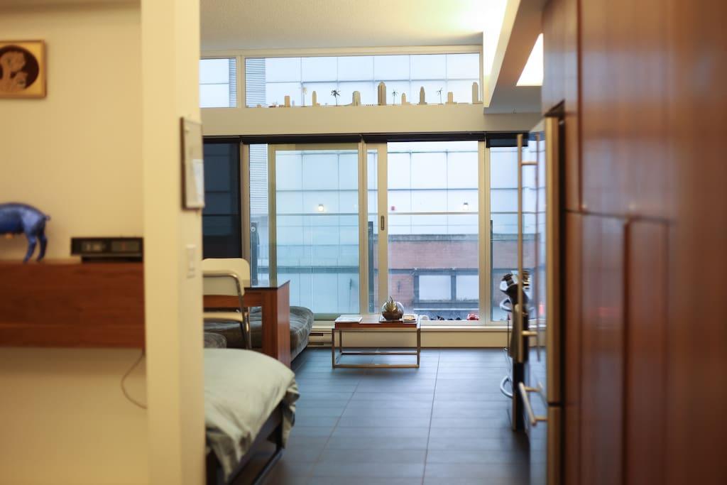 sleek chic apartment in gastown wohnungen zur miete in vancouver british columbia kanada. Black Bedroom Furniture Sets. Home Design Ideas