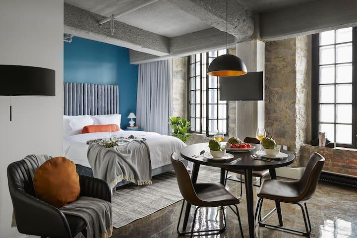 Room 202 | Maison Sainte-Thérèse