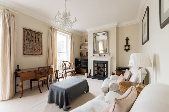 Beautiful townhouse in famous Suffolks area