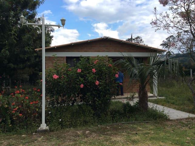Descanso en Chachimbiro - Cabaña Familiar