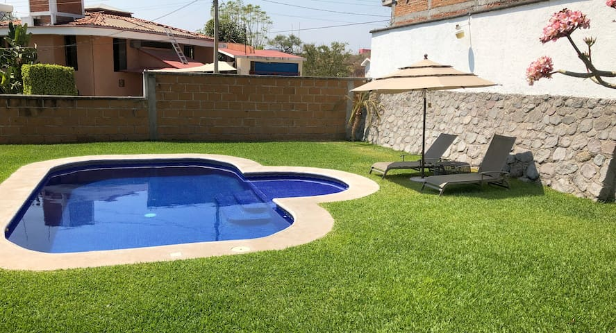 Casa privada 4 hab, Jardín, Alberca Calef . MOR