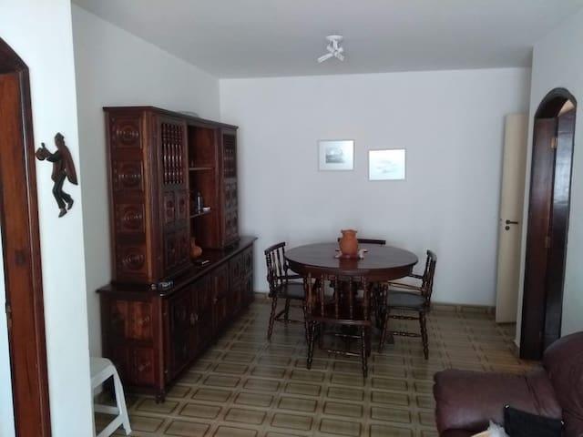 Enseada - Guarujá/SP - Aconchegante e familiar
