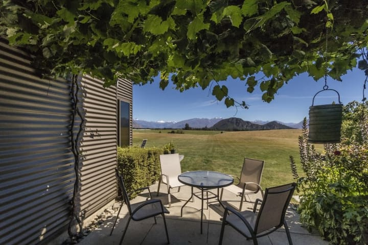 WANAKA MOUNTAINVIEW OPENING SPECIAL - Wanaka - Bed & Breakfast