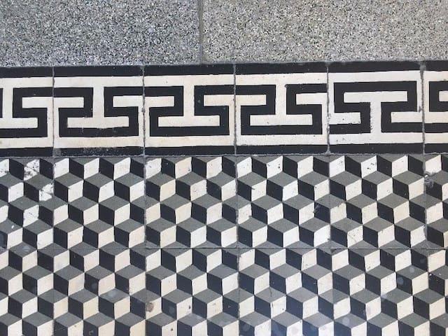 Detal klatki schodowej / Staircase tiles