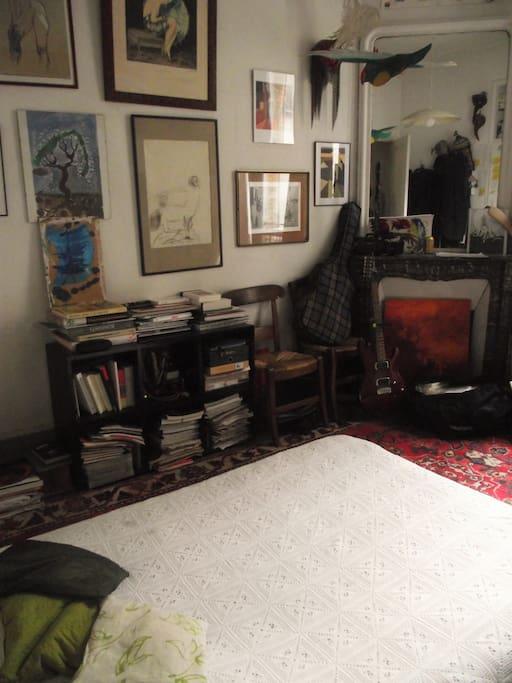 votre chambre : des livres, des objets...
