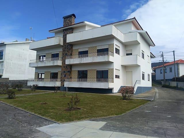 Apartamento T3 Vista al Mar y al Farol WIFI