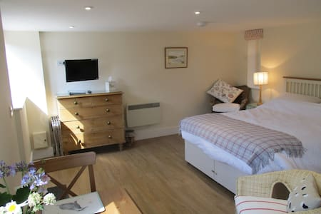 En Suite Studio in Barn setting, in Saxon village - Long Wittenham - Flat