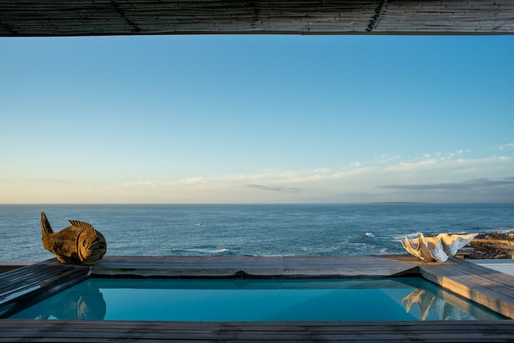 Bantry Bay Apartment with an Amazing Plunge Pool