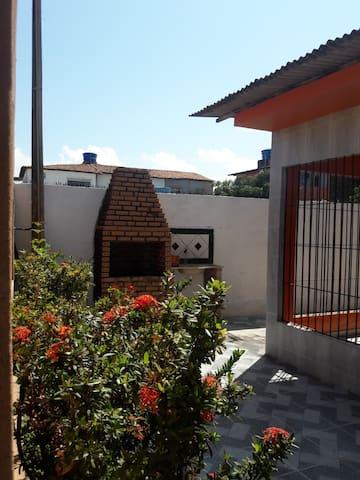 Linda casa na Praia de Pontas de Pedras-Goiana/PE