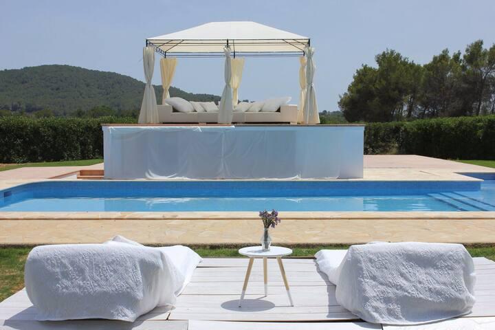Top 20 Sant Llorenc de Balafia Vacation Rentals, Vacation Homes ...