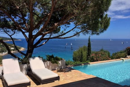 Villa with sea view for holidays - Ramatuelle - Rumah