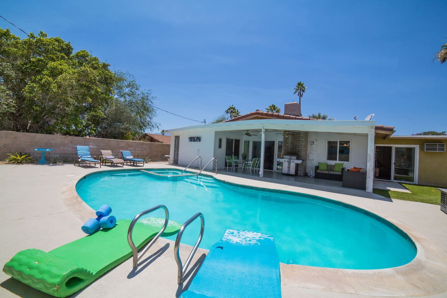 Best value designer pool home houses for rent in desert hot the large silky salt water pool is 6 feet at the deep end publicscrutiny Gallery