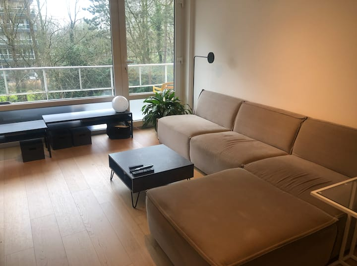Recently renovated, light apartment at great spot