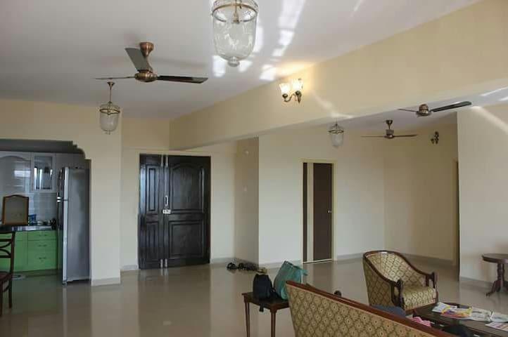 2,600 sq ft spacious apartment.