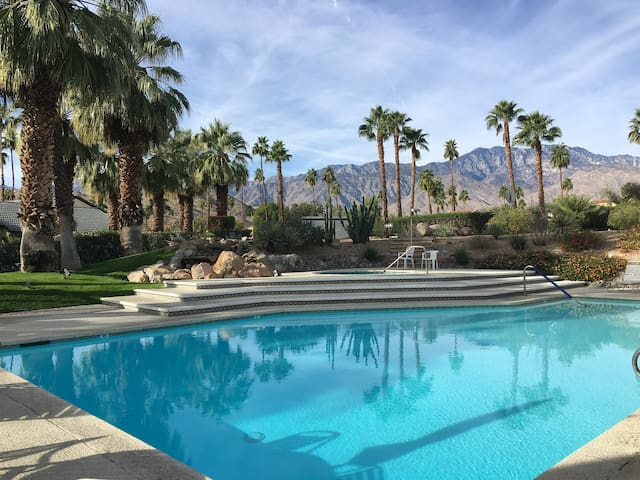 Beautiful Large Palm Springs Townhouse