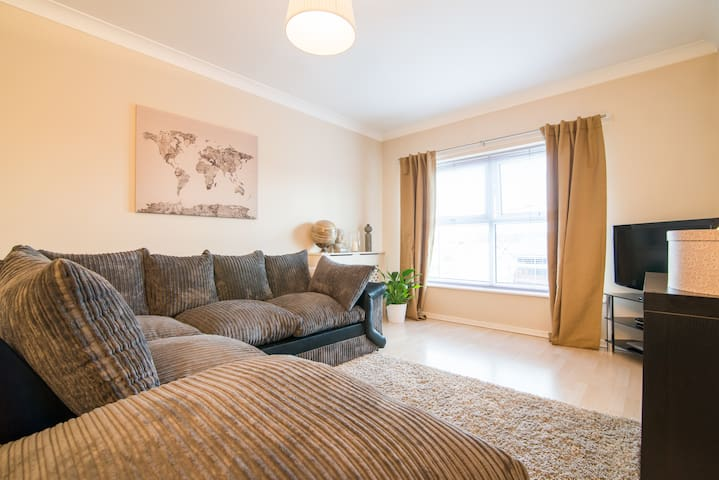 Sophisticated clean modern flat - Audenshaw - Квартира