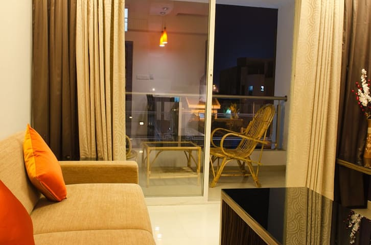 Stay in a fully furnished 1 BHK in Pune | 2-3 pax