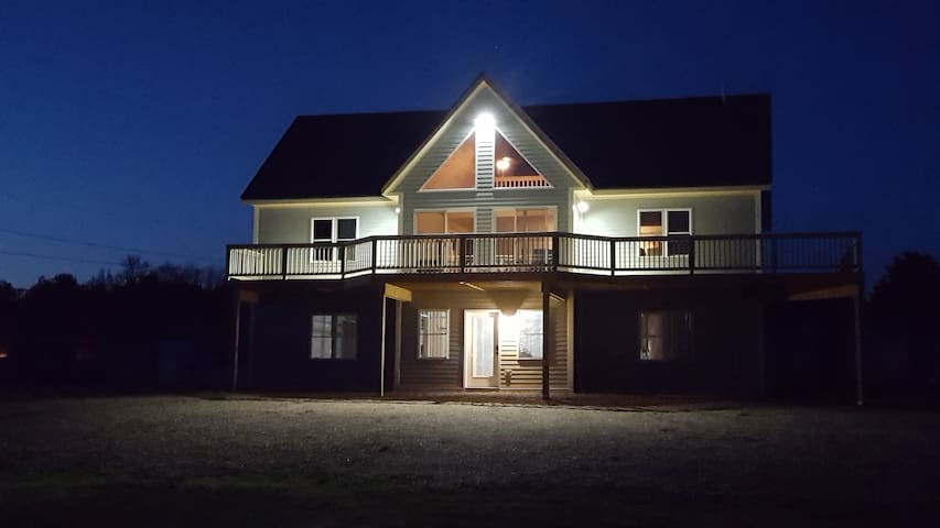 Private Waterfront Home - Sleeps 8