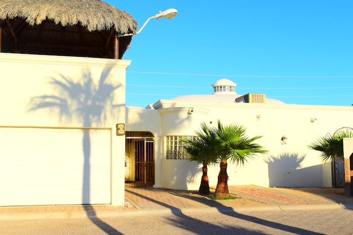 Casa Paloma 3 Bedroom Property with Pool