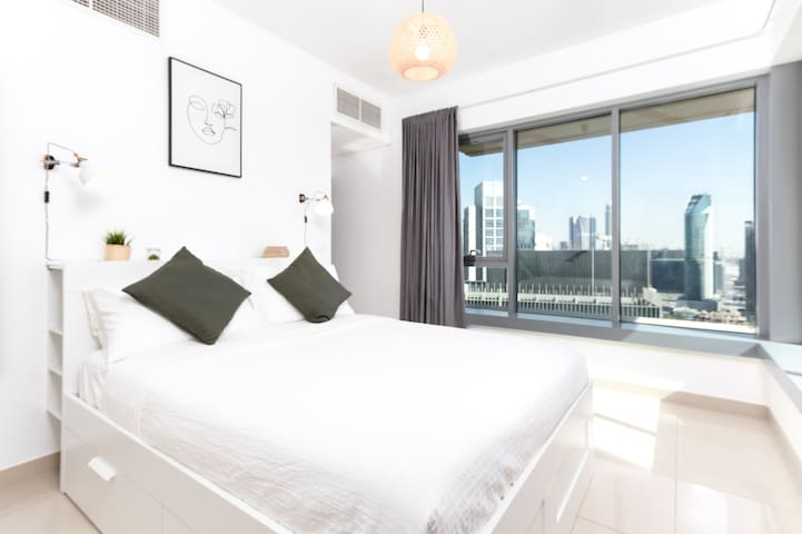 bed room with 29th floor panoramic views
