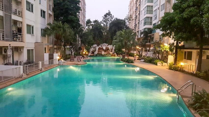 Entire Condo with Great Amenities