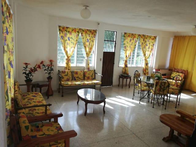A 5 minutos de la costera, zona muy tranquila - Acapulco - Wohnung