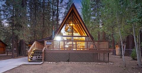Midcentury A Frame Cabin Walk to Snow Summit + Spa