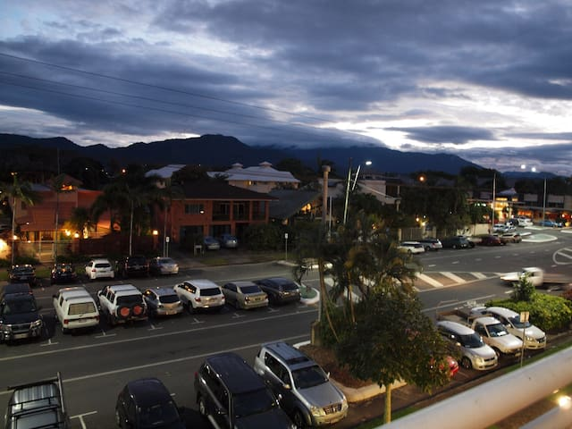 (R122) Resort Studio - Inner City - Cairns North - Daire