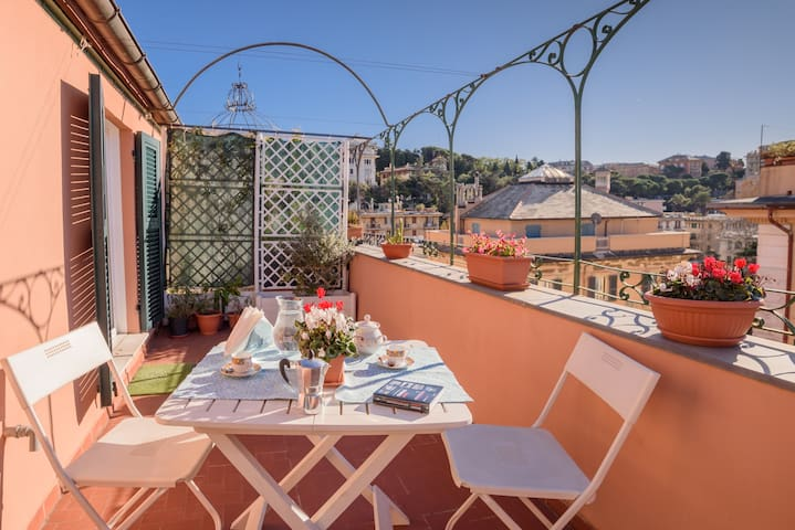 """Attico Caffa"", central penthouse-Terrace-AC-WIFI"